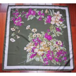 Fleurs sur fond vert - 78 cm
